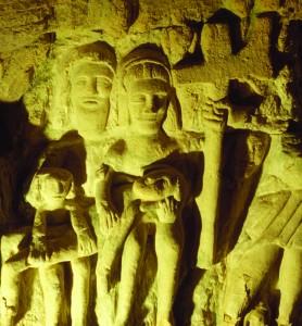 Caverne sculptée